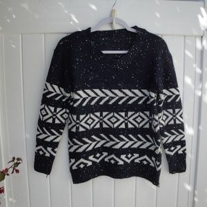 Classic Crew Sweater Navy Blue and White Small